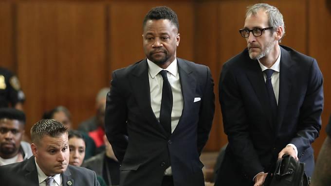 """Vorwurf der sexuellen Belästigung: US-Schauspieler Cuba Gooding Jr. (""""Jerry Maguire"""") beim Verlesen der Anklage im Gerichtssaal in New York."""