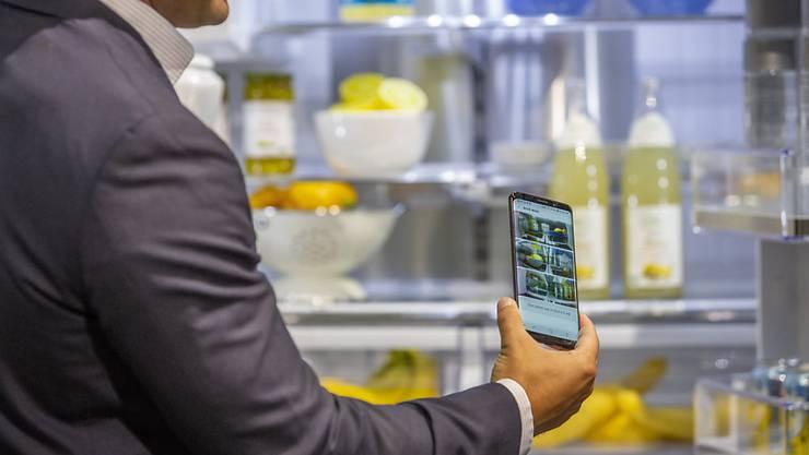 Der Smartphone-Marktführer Samsung bekommt die Konkurrenz aus China zu spüren. (Archivbild)