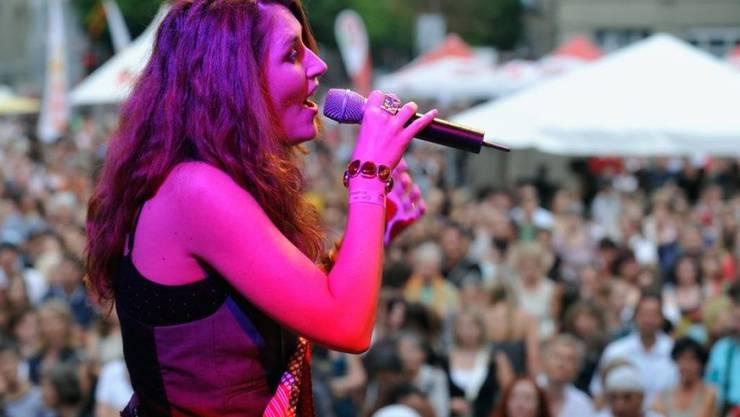 Die Walliser Sängerin Sina setzt sich auch ein für die Gleichberechtigung der Frauen. (Archiv)