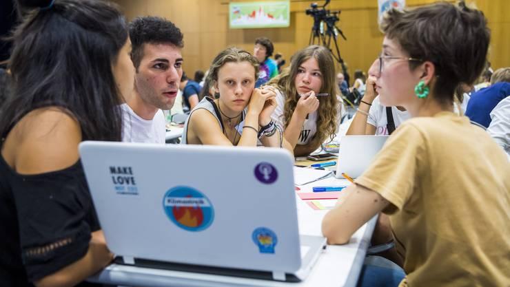 Emotionale und hitzige Diskussionen gehören zum Klimastreik-Gipfel in Lausanne.