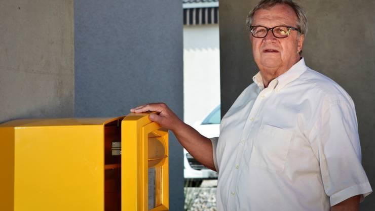 Hans Ulrich Mathys ist seit 42 Jahren Kanzler in Holziken und jetzt auch noch «Posthalter».  Peter Siegrist
