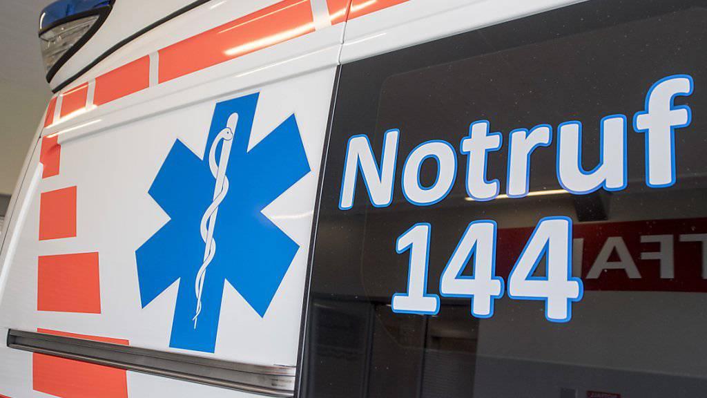 Die Ambulanz brachte am frühen Donnerstagmorgen ein auf dem Pannenstreifen geborenes Mädchen und die frisch gebackenen Eltern ins Spital.