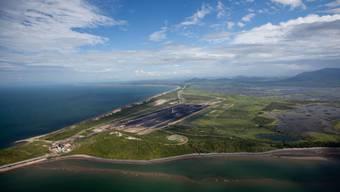 Blick aus der Luft auf den Kohlehafen Abbot Point, über den die geförderte australische Kohle nach Indien verschifft werden soll. (Archiv)