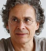 Gemeindepräsident in Langendorf seit 2001; Quereinsteiger.Vorher tätig als Elektroingenieur HTL.