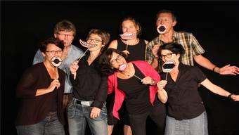 Die Kulturkommission im Cholechäller mit Michelle Uhlmann, Köbi Knüsel, Corinne Wyss, Indra Joshi, Tanja Hauri, Felix Burkard und Sibilla Scognamiglio.