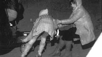 Gesucht werden zwei Einbrecherinnen (Symbolbild)