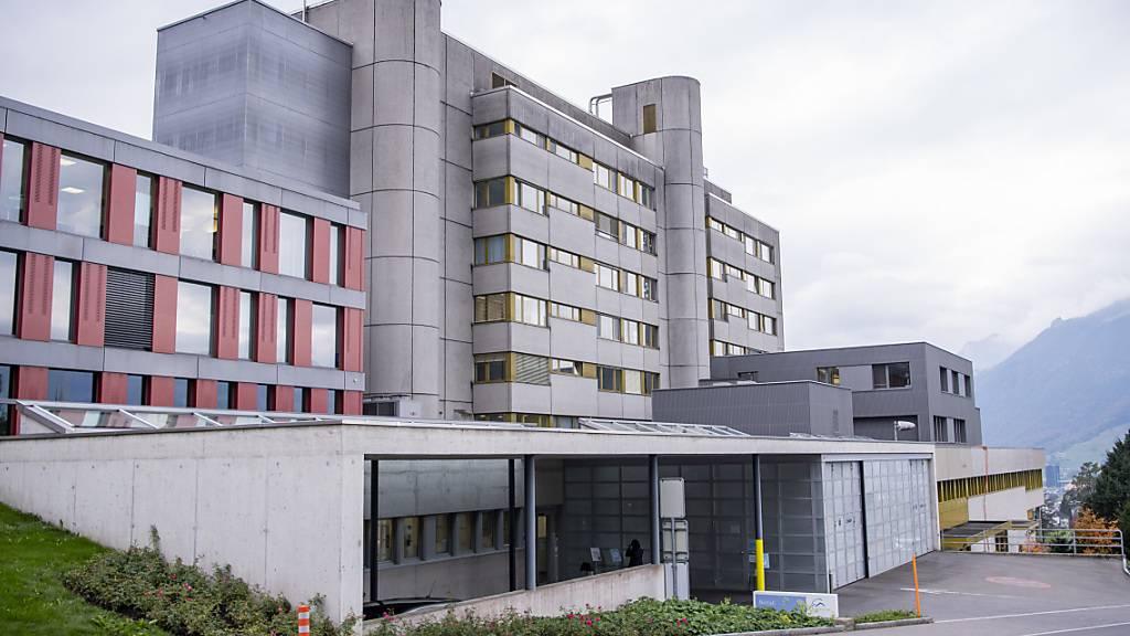 Das Spital in Schwyz ist von der zweiten Corona-Welle besonders betroffen. (Archivaufnahme)
