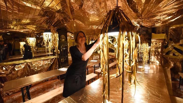 Denise Widler freut sich, wenn sie mit ihrer Keller-Dekoration etwas zur Fasnacht beitragen kann.