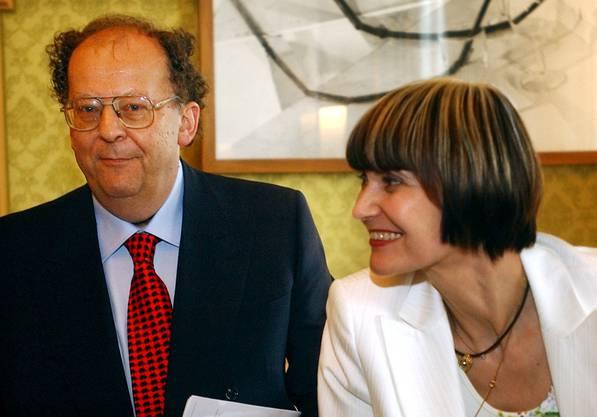 Richner mit der damaligen Bundesrätin Michelin Calmy-Rey.