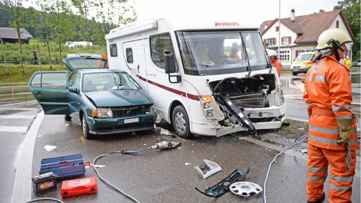 Eine Person wurde beim Unfall verletzt.