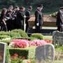 Eine Beerdigung eines Jugendlichen nach einer Schiesserei zwischen Mafia-Clans in Duisburg im jahr 2007. (Archivbild)