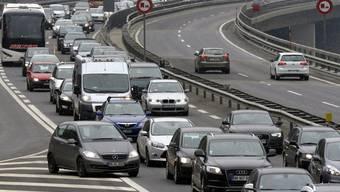 Autofahrer, die den Gotthard Richtung Süden durchqueren wollen, brauchen Geduld