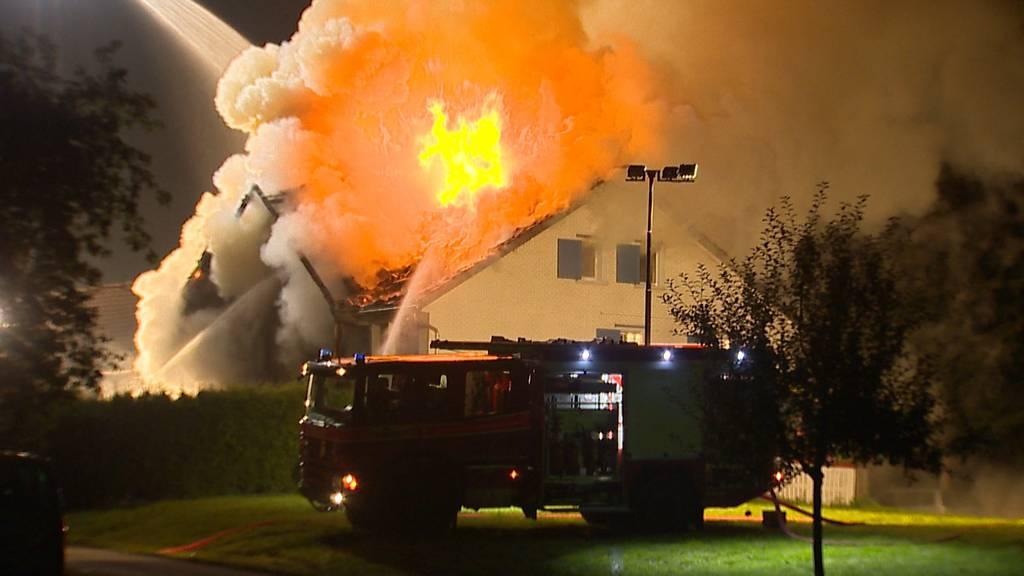 Lütisburg SG: Zweifamilienhaus komplett ausgebrannt