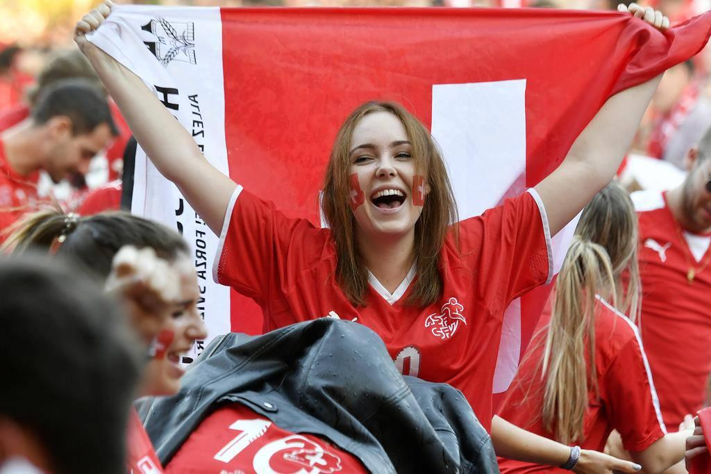 Die Schweizer fiebern mit (© Keystone)
