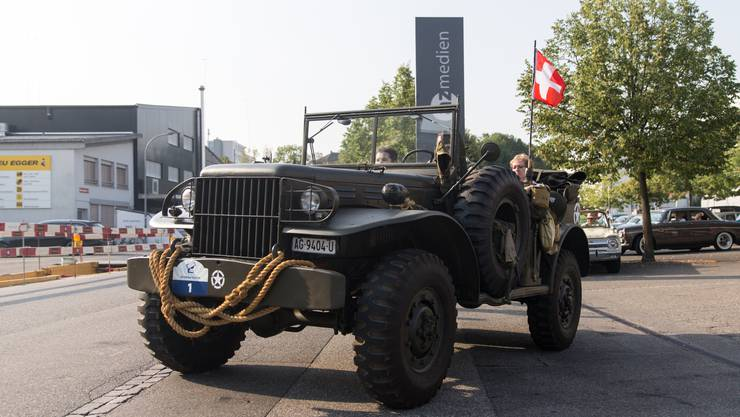Baujahr: 1944 Hubraum: 3772 cm³ Zylinder: 6 Höchstgeschwindigkeit: 88 km/h Leistung: 93 PS Gewicht: 2350 kg Besonderheiten: Invasionsfahrzeug D-Day USA, ab 1947 bei der Schweizer Armee