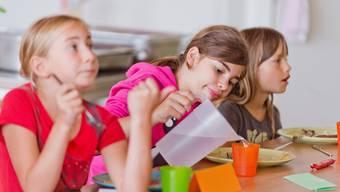 Ab Januar soll auch an der Schule in Hornussen ein Mittagstisch angeboten werden.