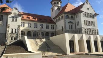 Seit den 1980er-Jahren kannte man das Schulhaus Stapfer mit gelber Fassade. Nun ähnelt es der ursprünglichen Farbe. ZVG