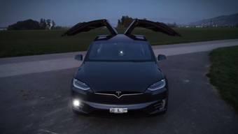 Das Tesla Modell X-100D soll von der Basler Polizei eingesetzt werden.