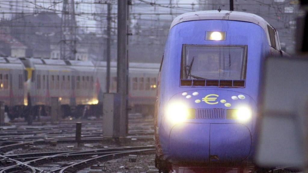 Ein Hochgeschwindigkeitszug ist wegen einer Strompanne zwischen Brüssel und Strassburg liegengeblieben. (Symbolbild)