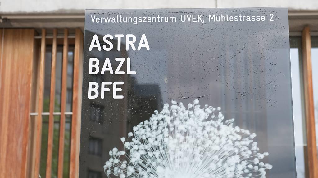 Das Logo des Bundesamtes fuer Zivilluftfahrt BAZ in Ittigen. (Archivbild)