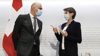 Das Vorpreschen von Alain Berset und Simonetta Sommaruga gefällt einigen Kantonen nicht.