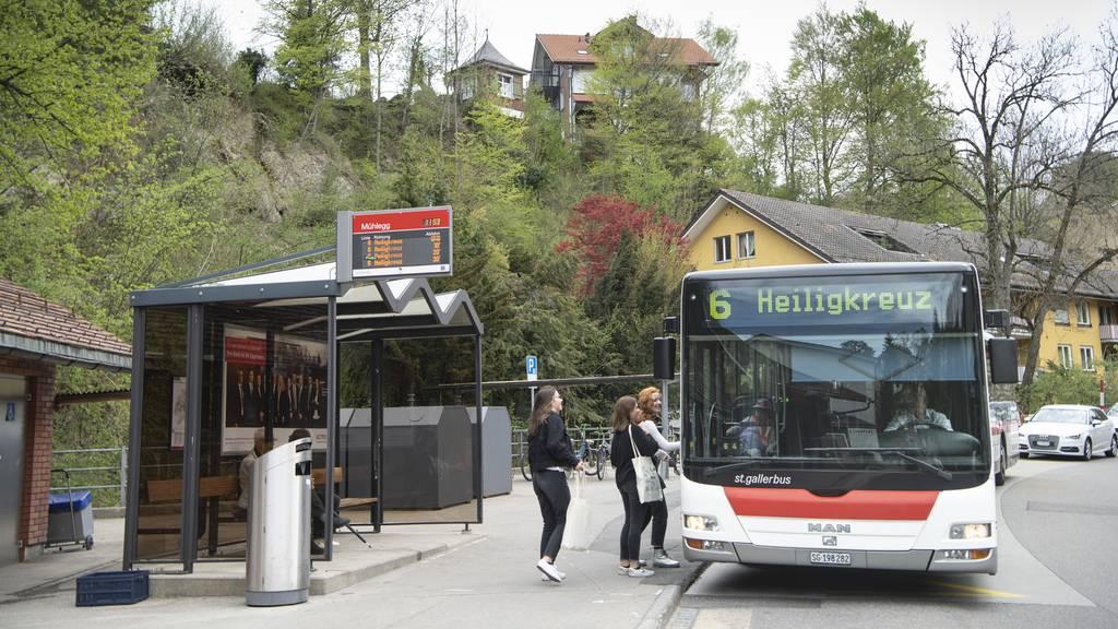 Gefährliches Bus-Überholen: Jetzt handelt die Stapo