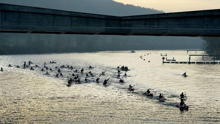 Wunderbare Stimmung auf der Aare: Die Teilnehmer am Wintercup profitierten von besten äusseren Bedingungen.