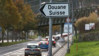 Der CVP-Kantonsrat will, dass sich Frankreich an den Kosten für die Kurzarbeit über die Quellensteuer beteiligt.