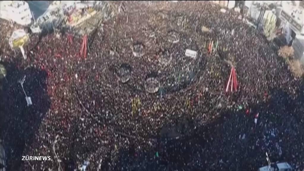 Massenpanik bei Soleimani-Trauermarsch fordert Dutzende Tote