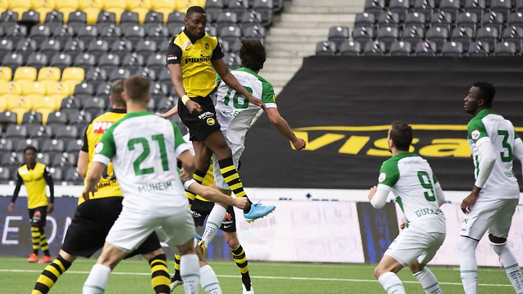 Die vorentscheidende Szene im Stade de Suisse: Christopher Martins erzielt das 1:0 für YB gegen St. Gallen