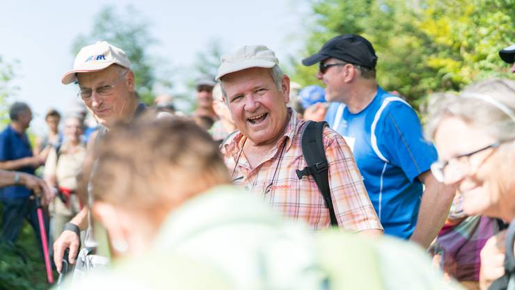 Gemeinsam wandern hilft, Konflikte zu lösen. Auf der az-Leserwanderung von Fehren nach Nunningen durchs Schwarzbubenland brauchten keine Streitereien gelöst zu werden; es herrschte Freude.