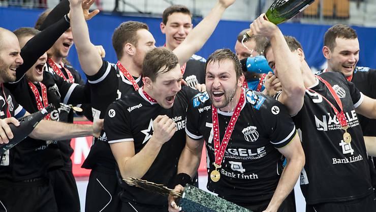 Erster Titel in der neuen Saison: Nach dem Cupsieg in der letzten Saison gewann Pfadi Winterthur in der eigenen Halle auch den Supercup