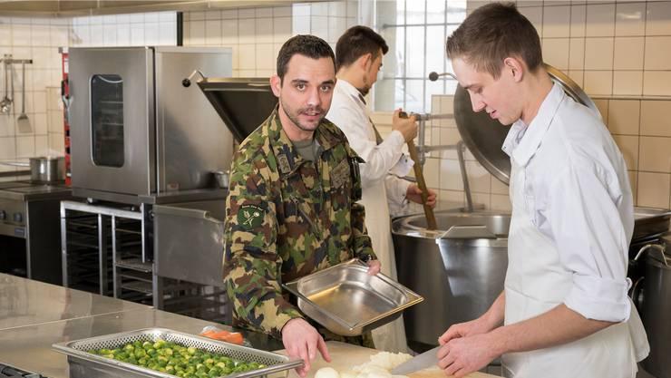 Einen Tag Lang Gut Essen Fur Nur Fr 8 75 Der Alltag Der Armeekoche