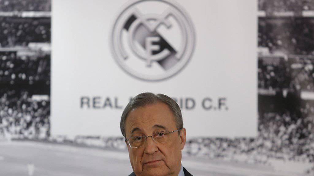 Nicht begeistert: Real Madrids Präsident Florentino Perez darf nur noch bis Ende Januar Spieler einkaufen