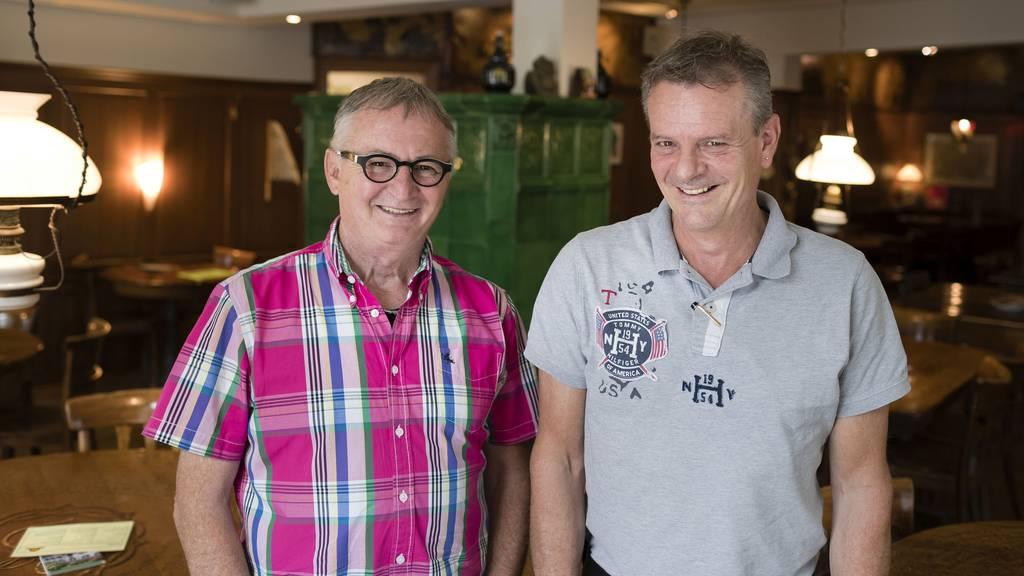 Walter Tobler (Goldener Leuen) (links) und René Rechsteiner (Bierfalken) wollen mit Wlan Studierende in ihre Beizen locken.