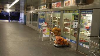Der asiatische Laden in der Bahnhofspassage ist der Tatort.