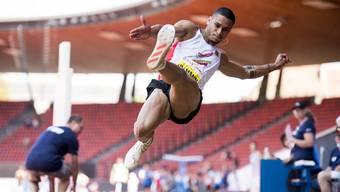 Dem Aargauer Christopher Ullmann reichten 7,61  m für den Meistertitel im Weitsprung.