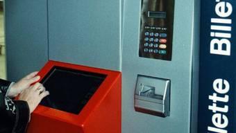Die Bande knackte auch diverse Billettautomaten (Symbolbild)