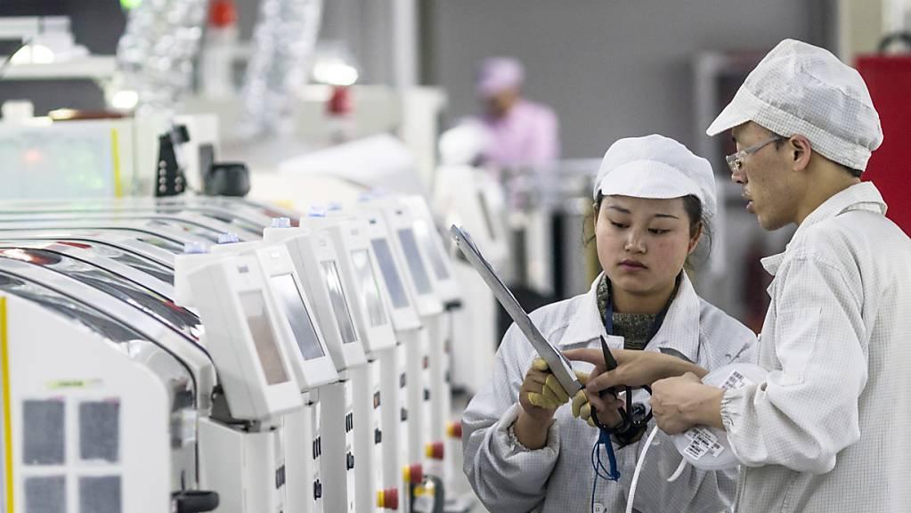 Zu viel Arbeit auf Zeit: Apple bestätigte, dass beim chinesischen Zulieferer Foxconn Standards nicht eingehalten wurden. (Archivbild)