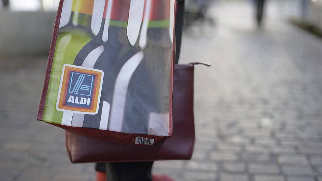 Der Lebensmittelhändler Aldi eröffnet in der kommenden Woche zwei Pilot-Filialen in China - die ersten in dem Land. (Symbolbild)