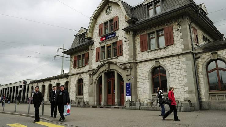 In der Nähe des Bahnhofs Oerlikon wurde das Opfer verprügelt. (Archiv)