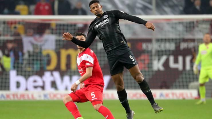 Frankfurts Sébastien Haller erzielte in der Nachspielzeit seine Saisontore 13 und 14