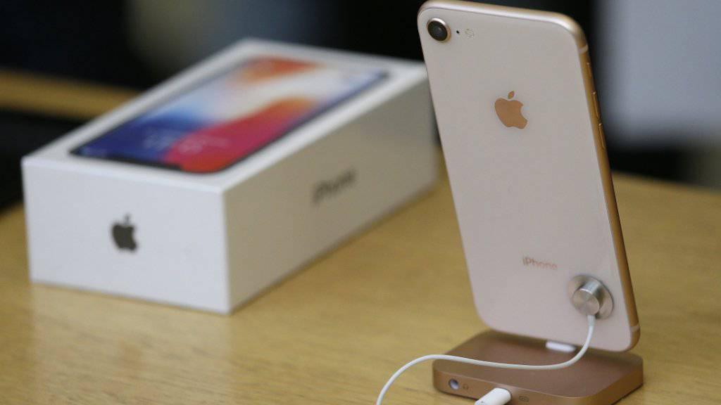 Mobilfunkkunden ist die Qualität des Handynetzes viel wichtiger bei der Auswahl eines Abos als verbilligte Smartphones. (Archiv)