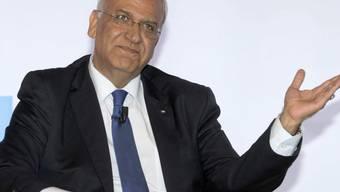 ARCHIV - der Generalsekretär der Palästinensischen Befreiungsorganisation (PLO), Saeb Erekat, in Rom. Foto: Claudio Peri/ANSA/dpa