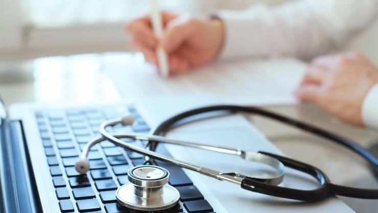 In den letzten vier Jahren haben die Pharmafirmen rund 639 Millionen Franken an Akteure in der Schweizer Gesundheitsbranche gezahlt. (Symbolbild: Thinkstock)
