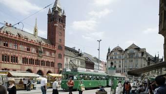 Die überbeanspruchte zentrale Verbindungsachse über den Marktplatz soll entlastet werden. (Archiv)