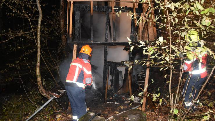 Alt St. Johann SG, 10 November: A forest hut burns down completely at night. The property damage ...