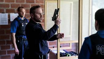 Instruktor Benjamin Fusina erklärt die neue Glock 17