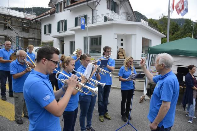 Das Ständli der Musikgesellschaft Oberdorf..