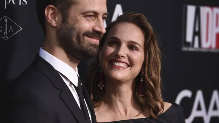 Ein gutes Team: Schauspielerin Natalie Portman (rechts) und ihr Ehemann, Choreograf Benjamin Millepied, leben und arbeiten gerne zusammen. (Archivbild)